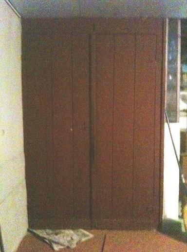 cave porte 1 rouge bx